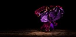 Tanz mit zwei Schleiern